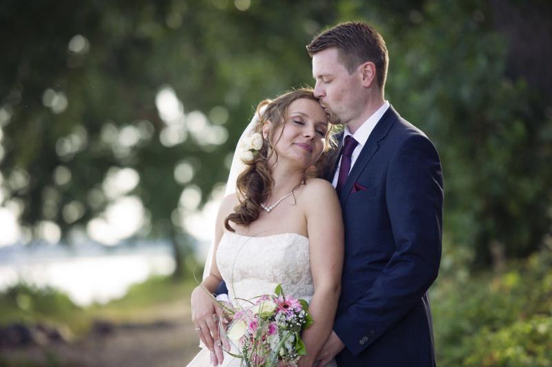 Hochzeitsfotografie Tutorial: Beispielbild Brautpaar