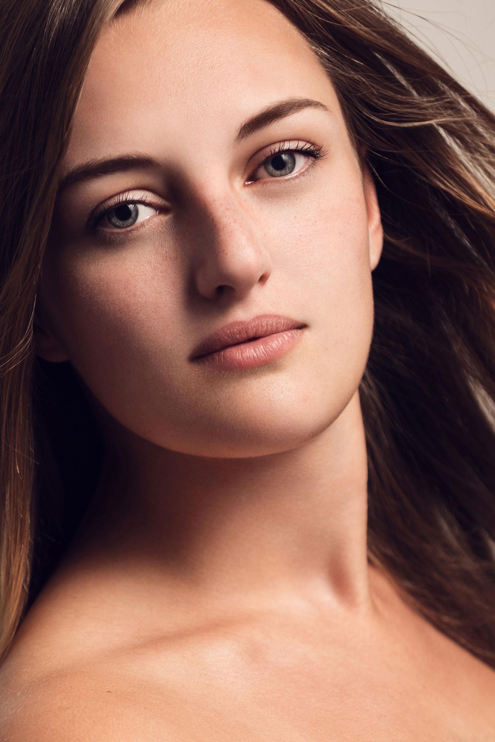 Aufnahme einer Frau – Beispielbild zur Bearbeitung von Lippen und Augen