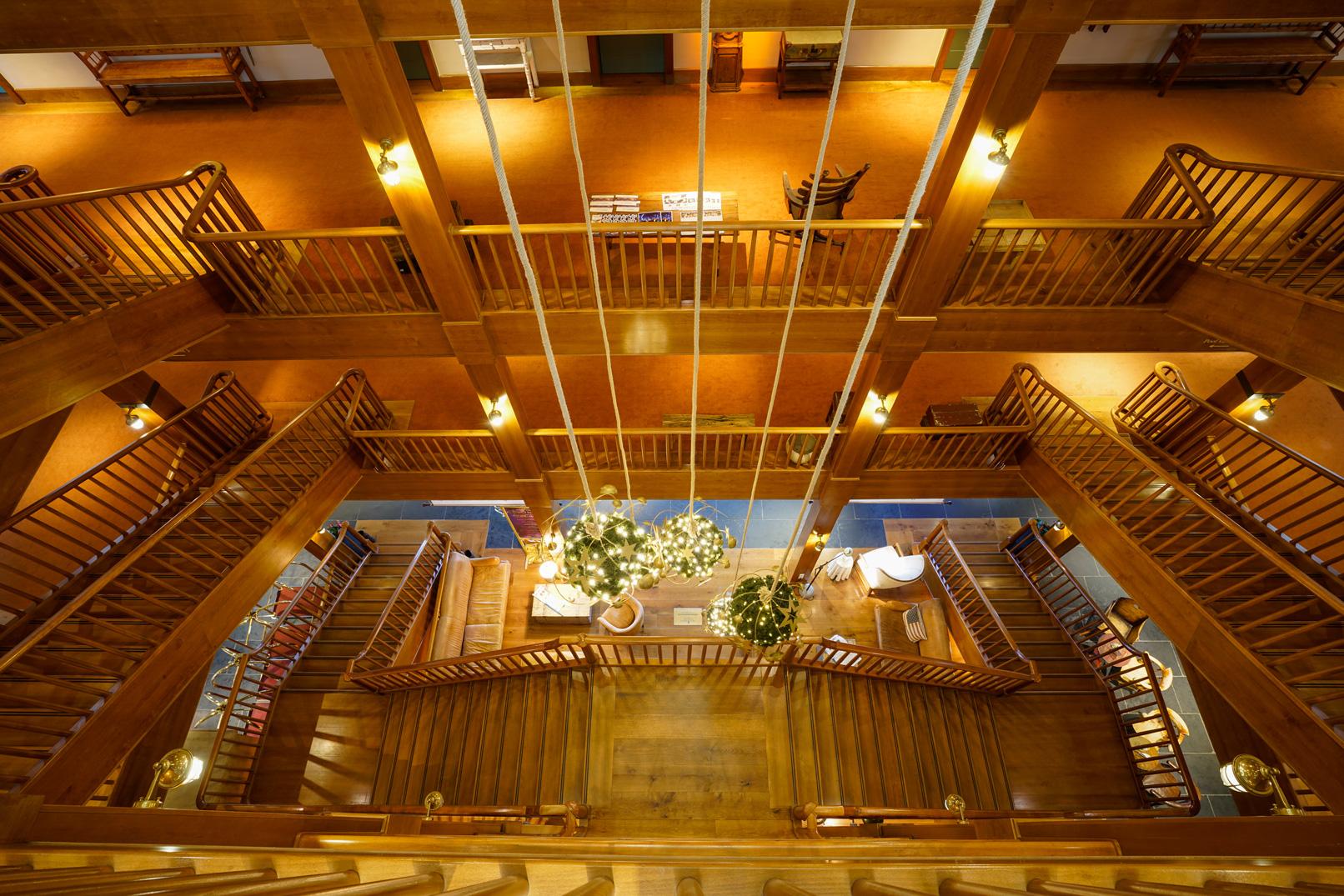 Treppenaufgang in einem Hotel