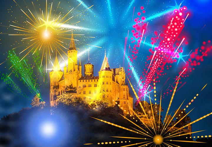 Silvester-Feeling: Feuerwerks-Illustrationen vor transparentem Hintergrund und als Vektoren