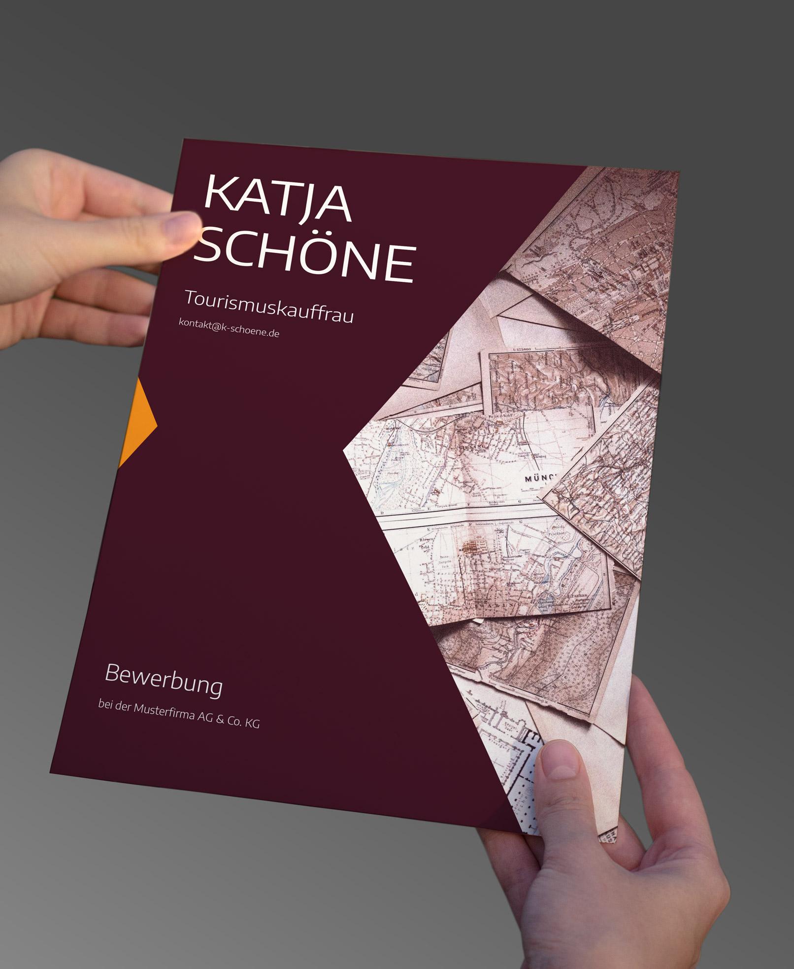 Deckblatt einer Bewerbungsvorlage zur Bewerbung um eine Ausbildung in Weinrot
