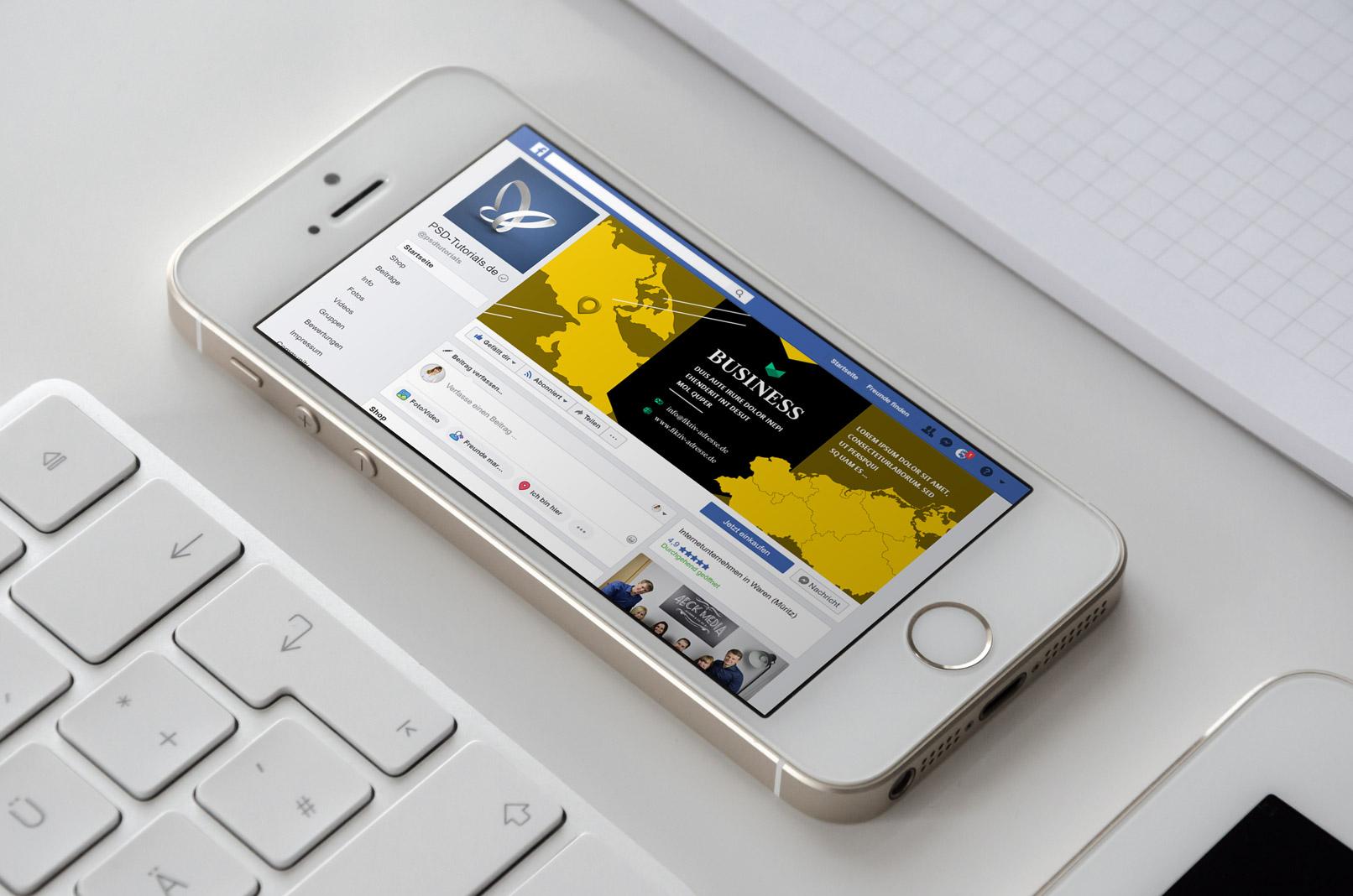 Smartphone mit Facebook-Seite mit der Landkarte von Mecklenburg-Vorpommern