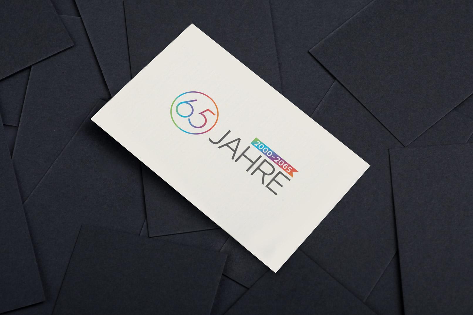 Schöne und bunte Zahlen-Designs, verwendet für eine Einladungskarte